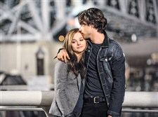 "Chloe Grace Morezt and Jamie Blackley in ""If I Stay."""