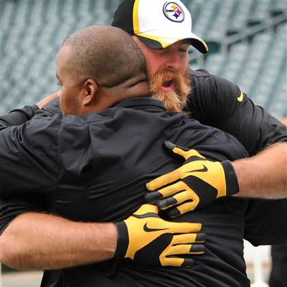 Brett Keisel hugs Duce Stale Brett Keisel gives a big hug to former Steeler Duce Staley, now a coach with the Eagles, before Thursday night's preseason game at Lincoln Financial Field in Philadelphia.