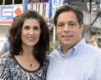20140820bwCookieSeen03-2 Roxanne Ross and state Sen. Jay Costa.