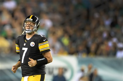20140821pdSteelersSports12-4 Steelers quarterback Ben Roethlisberger reacts after throwing an interception Thursday against the Eagles at Lincoln Financial Field in Philadelphia.