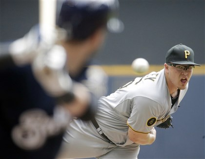 Pirates miss sweep, fall to Brewers, 4-3