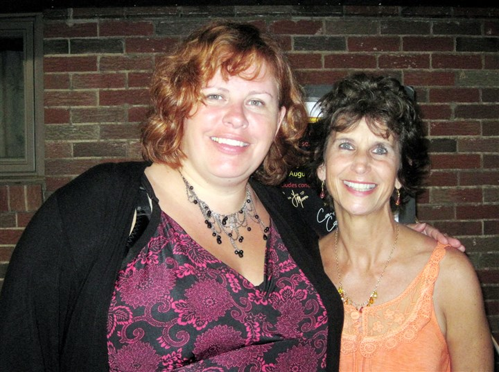 CindyStockSuzieCindy-2 Suzie Vinnick and Cindy Bandula-Yates at Cindystock.