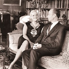 20140828hoyeendbrennermag Famed opera singer Frances Yeend and her husband, pianist, conductor and vocal coach James Benner, in their New York apartment in the 1950s. The couple's vast collection of art and antiques will be auctioned off today and tomorrow in Fairmont, W.Va., by Joe R. Pyle Auctions.