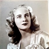 Betty Ann Loresch in the 1940s as a fashion model.