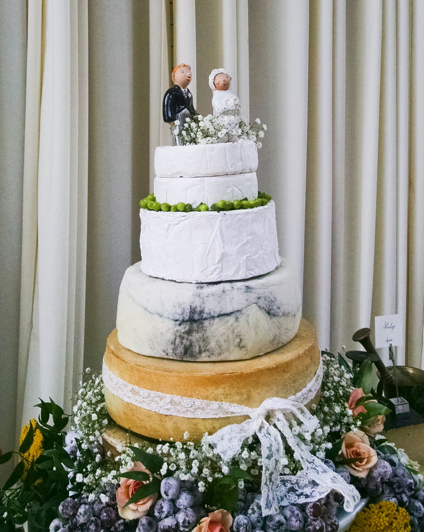 wedding cakes made from cheesecake wedding cheesecakes made with real cheese are becoming 24959