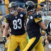 Steelers quarterback Ben Roethlisberger congratulates Heath Miller on a touchdown completion against the Buccaneers in the third quarter at Heinz Field Sunday, September 28, 2014.