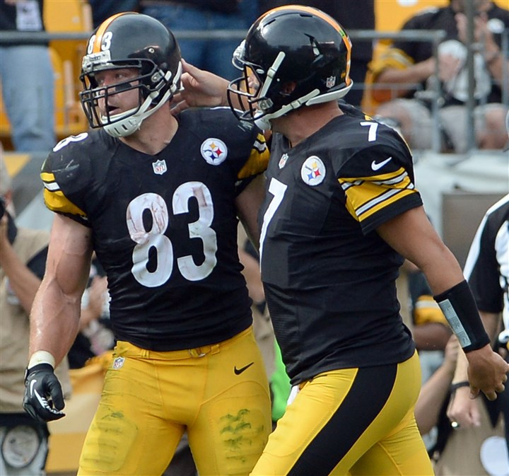 20140928mfsteelerssports18-3 Steelers quarterback Ben Roethlisberger, right, learned that Heath Miller, left, would be retiring when they spoke over the phone Friday afternoon.