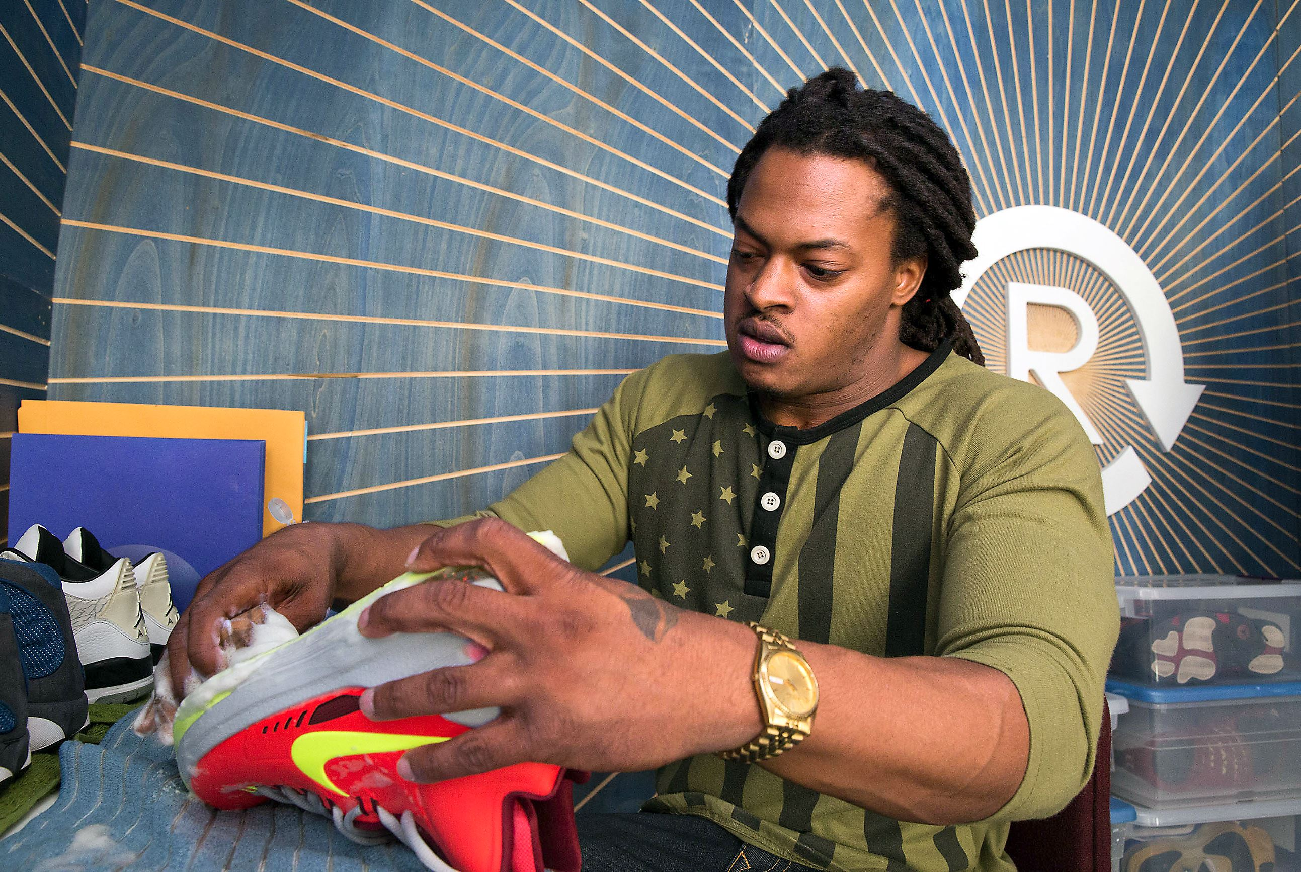 Stylebook winter shoe expo unites sneakerheads in for Wedding dress consignment pittsburgh