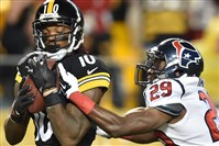 Steelers wide receiver Martavis Bryant hauls in pass from Ben Roethlisberger in the second quarter against the Houston Texans at Heinz Field.