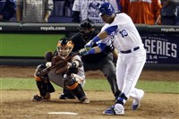 Kansas City Royals' Salvador Perez hits a two-run scoring double in the sixth inning of Game 2 of the World Series against the San Francisco Giants Wednesday in Kansas City, Mo.