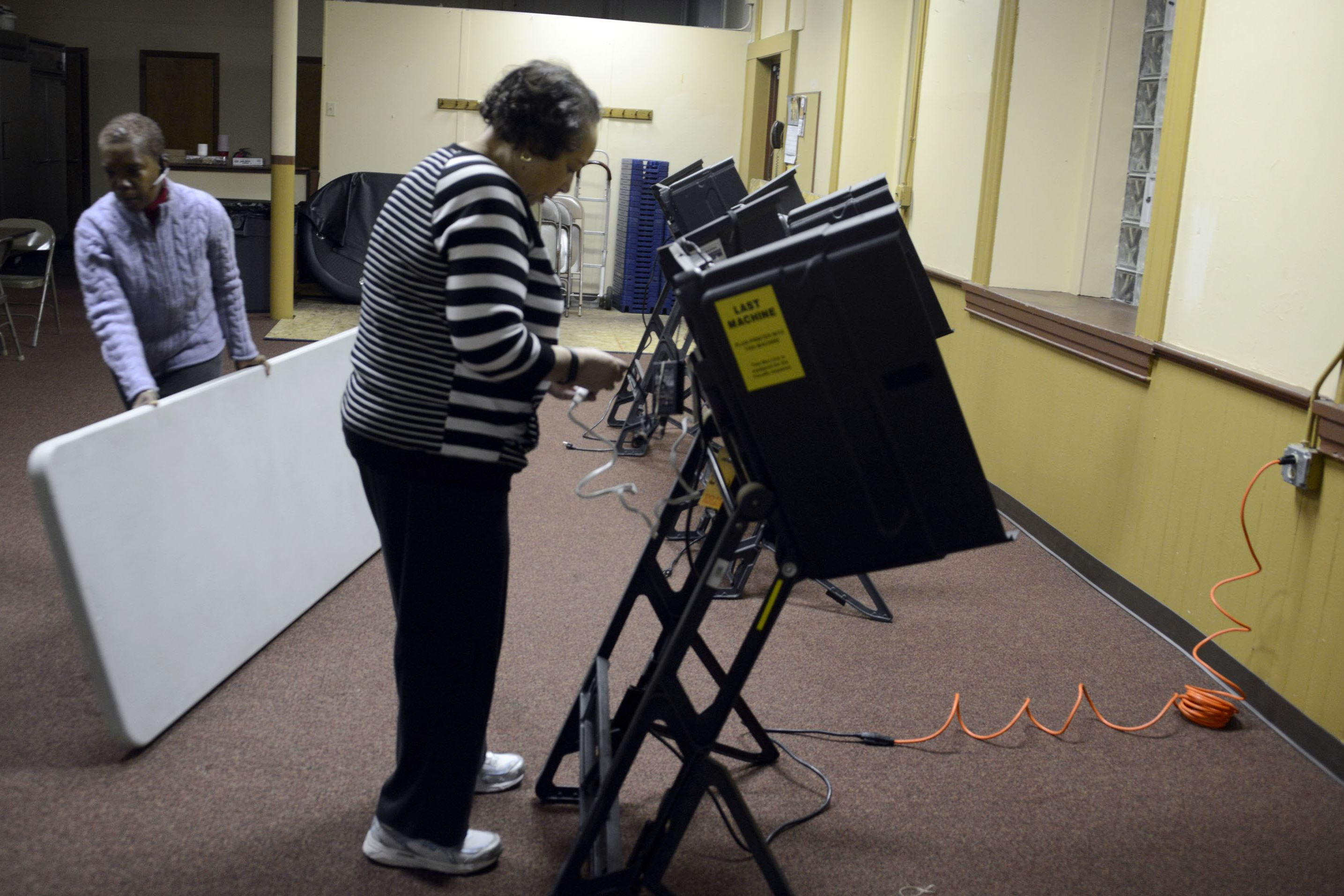 20141104dsElectionDayLocal01 A voting machine is set up in the North Side in 2014.
