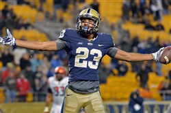 Pitt's Tyler Boyd celebrates a touchdown against Syracuse in the fourth quarter Saturday at Heinz Field Saturday.
