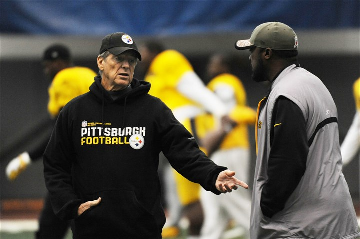 20141126MWHsteelersSports01 Defensive coordinator Dick LeBeau, left, and head coach Mike Tomlin at a Steelers practice in November.