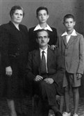 Sarantos (right), and his family in 1950.