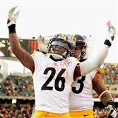 Le'Veon Bell celebrates his touchdown in the fourth quarter against the Bengals Sunday at Paul Brown Stadium in Cincinnati.