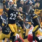 Steelers safety Mike Mitchell celebrates a fourth-down stop Sunday at Heinz Field against the Chiefs.