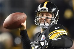 Ben Roethlisberger looks to make a play against the Cincinnati Bengals at Heinz Field in December.