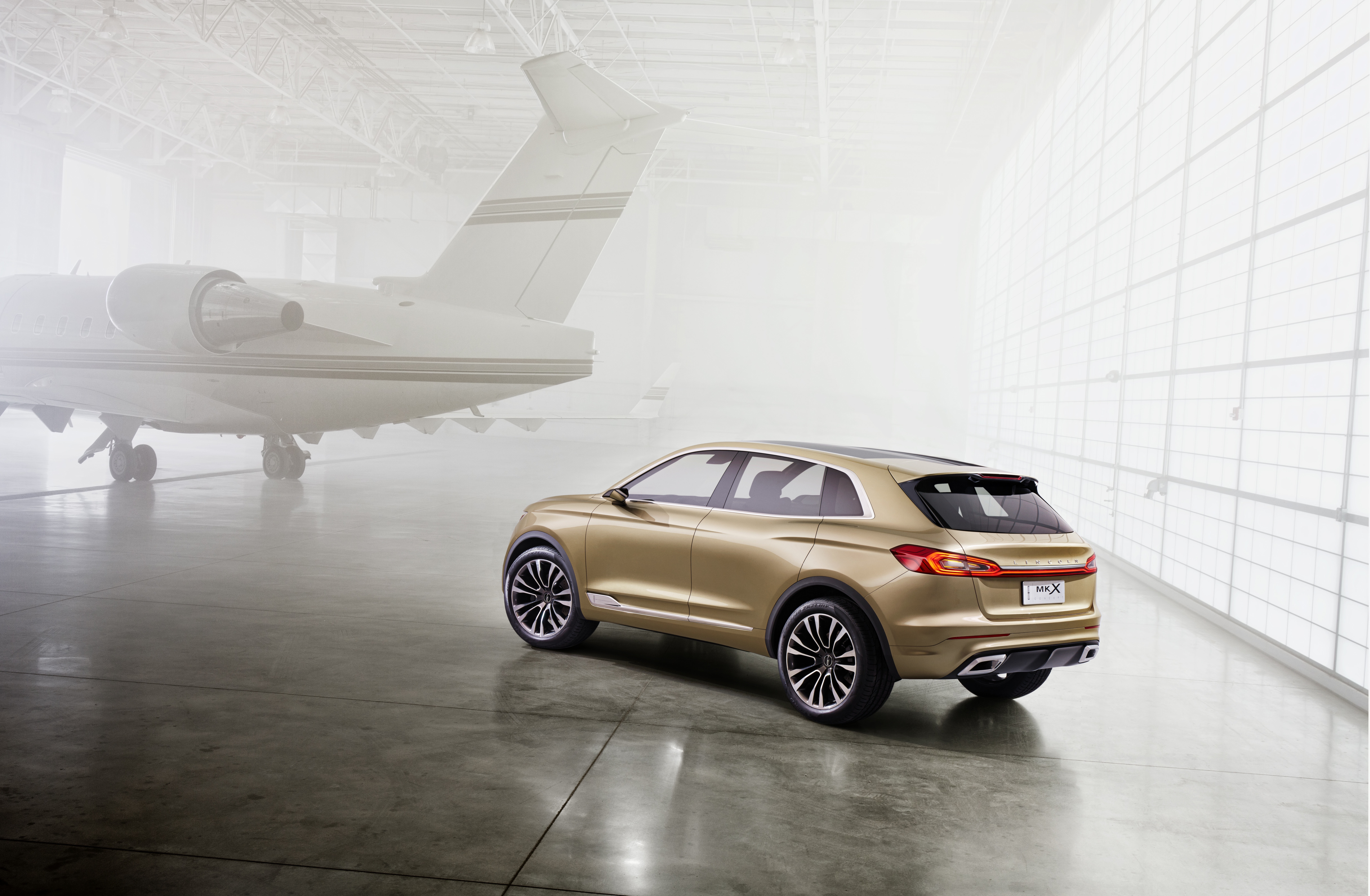 Lincoln unveils the 2016 mkx concept third of four models for Lincoln motor company news