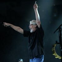 Bob Seger responds to a packed house at Thursday night's concert at Consol Energy Center.