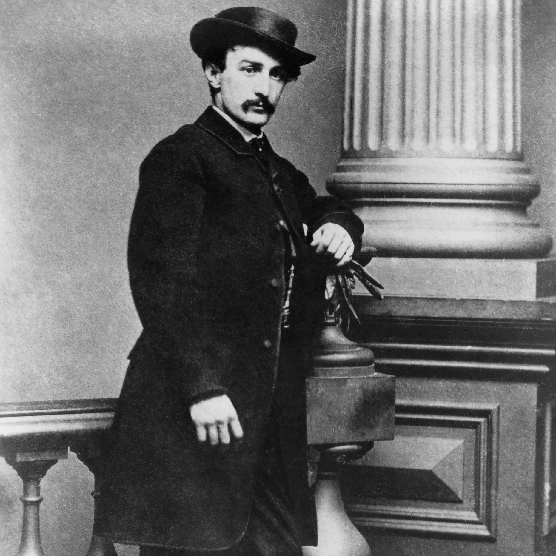 john wilkes booth John wilkes booth (10 toukokuuta 1838 bel air, maryland – 26 huhtikuuta 1865) oli yhdysvaltalainen teatterinäyttelijä, joka salamurhasi.