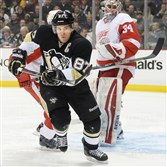 Sidney Crosby goes to the corner for a loose puck against the Red Wings last week at the Consol Energy Center.