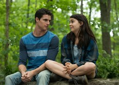 "From left, Robbie Amell and Mae Whitman in ""The Duff."""