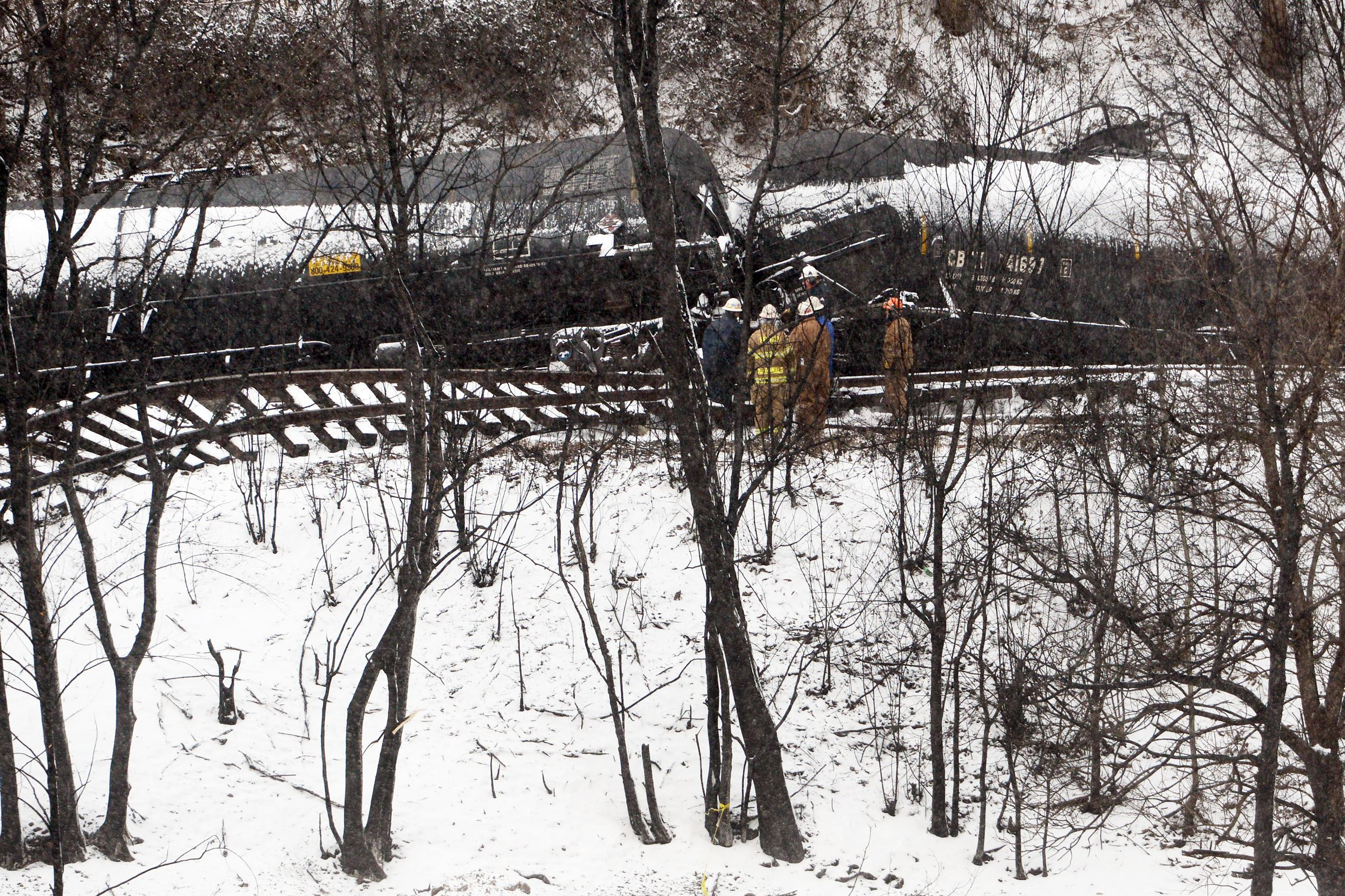 20150219MWHtrainLocal06 Crews work to clean up the derailed CSX train Feb. 18 in Mount Carbon.