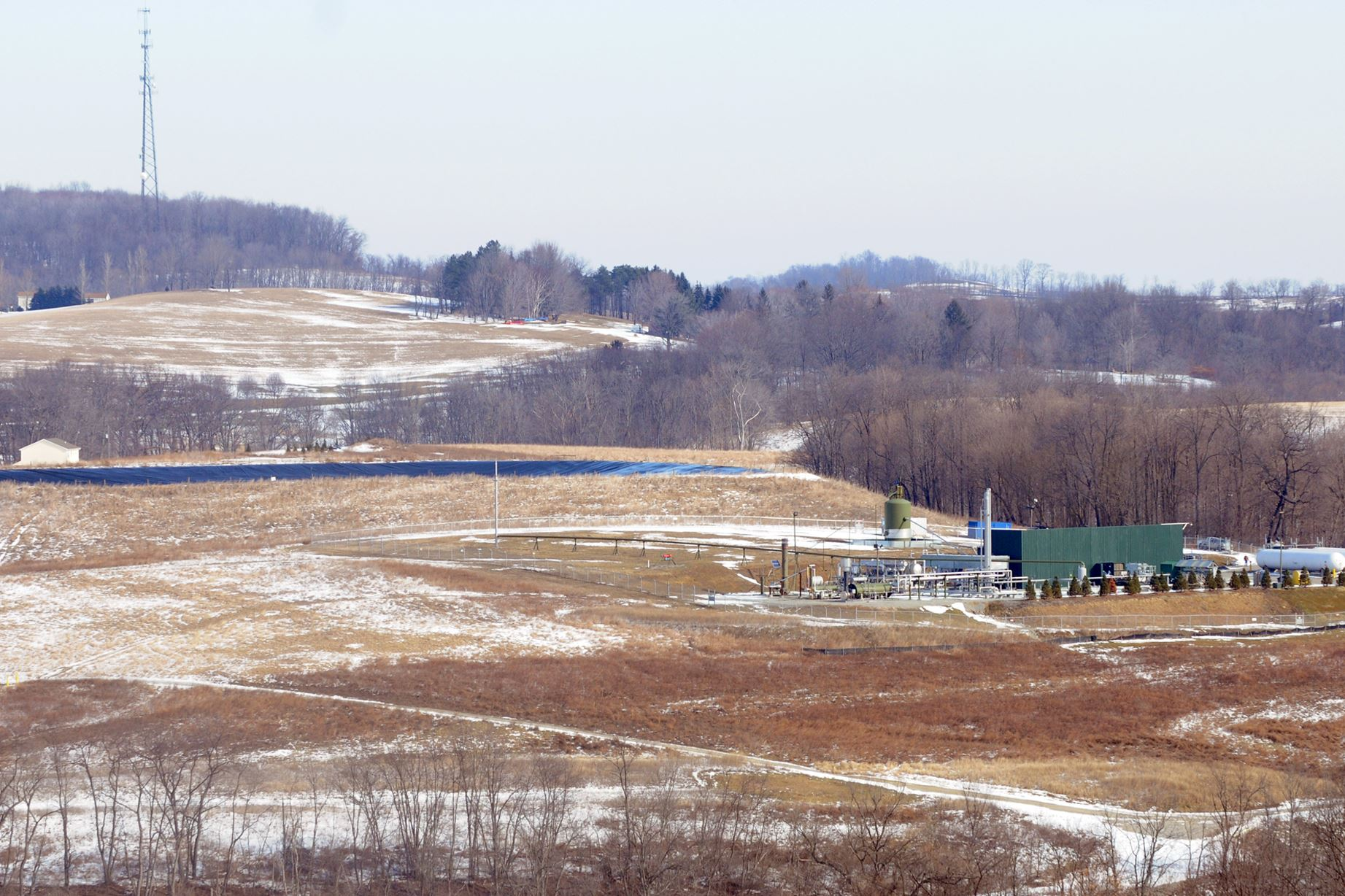 20150224lfLiquids A bill in the Pennsylvania Senate benefits the oil and gas industry by sacrificing landowners' bargaining power, advocates for royalty owners say.