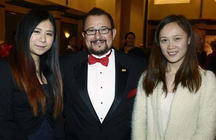 20150221bwChineseSEEN13-11 Jessie Tang, Tony Sciullo and Lisa Li.