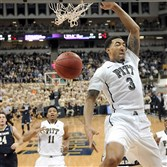 Matt Freed/Post-Gazette January 31, 2015   Pitt's Cameron Wright dunks against Notre Dame in the first half Saturday at the Petersen Events Center.     Original Filename: 20150131mfpittsports09.jpg