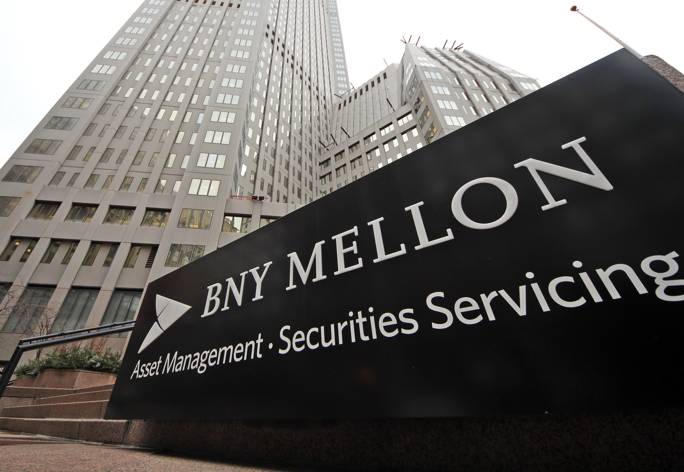 BNY Mellon hits record assets under custody in Q1