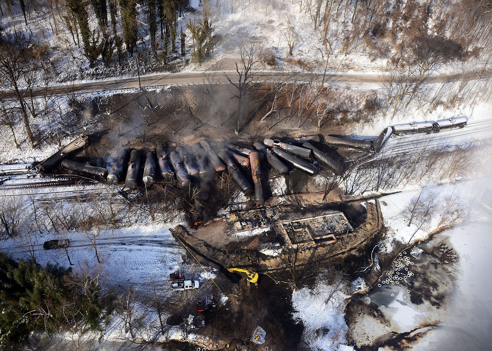 oiltrain3 Response crews for the West Virginia train derailment continue to monitor the burning of the derailed rail cars near Mount Carbon next to the Kanawha River, Feb. 18, 2015. The West Virginia Train Derailment Unified Command continues to work with federal, state and local agencies on the response efforts for the train derailment that occurred near Mount Carbon, Feb. 15, 2015.