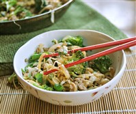 Chicken Stir-fry with Broccoli and Green Beans.