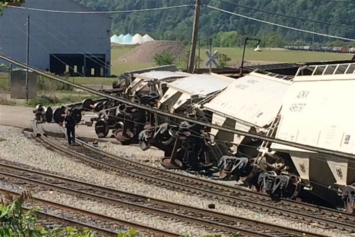 20150514dsTrainDerailment Emergency crews are on the scene of a freight train derailment in Hazelwood this morning.