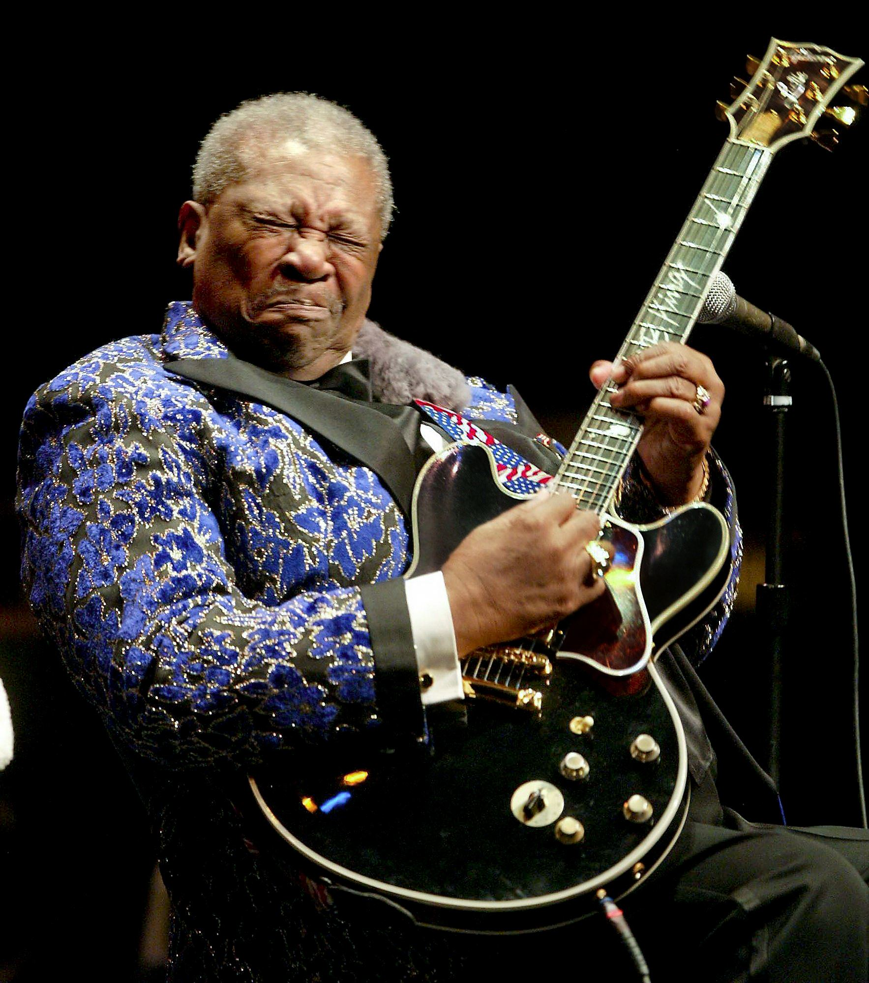 obituary b b king he was king of the blues pittsburgh post gazette. Black Bedroom Furniture Sets. Home Design Ideas