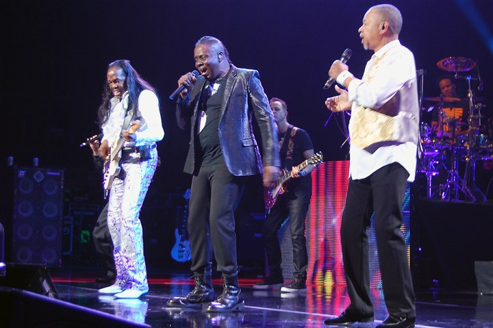 20150519hoEarthWindFire02-1 Earth, Wind & Fire members Verdine White, Philip Bailey and Ralph Johnson at the Benedum Center in 2015.