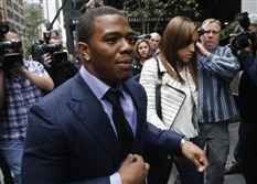 Former Baltimore Ravens NFL running back Ray Rice and his wife, Janay, arrive for a hearing in New York City in November.
