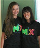 MIX Salad Concept's Rachael Bane, left, and Lia Vaccaro.