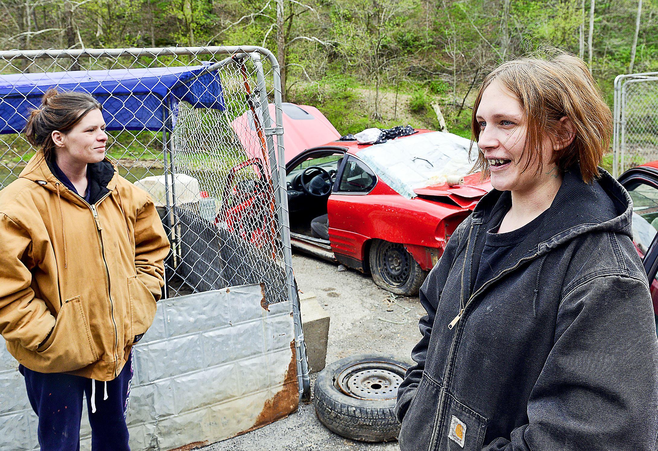 [Image: Roshelle-Piper-left-and-Tonya-Tedrow.jpg]