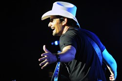 Brad Paisley plays at First Niagara Pavilion.