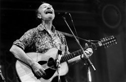 Pete Seeger at a 1986 concert in Pittsburgh.