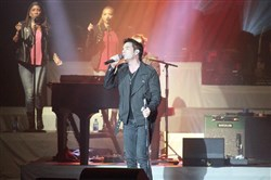 Train singer Pat Monahan at the First Niagara Pavilion on Tuesday.