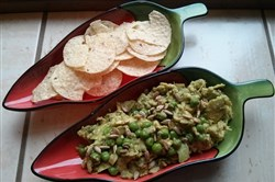 President Barack Obama and 2016 presidential candidate Jeb Bush both tweeted that green peas have no place in guacamole.