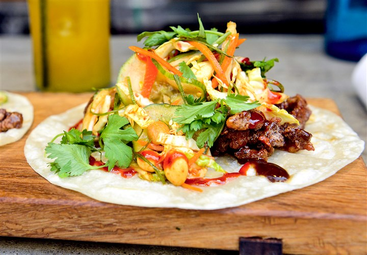 20150702bwTakoSeen10-9 The Korean taco, (wagyu short rib, peanuts, femented cucumber, sesame, pickled carret, cilantro) at Tako.
