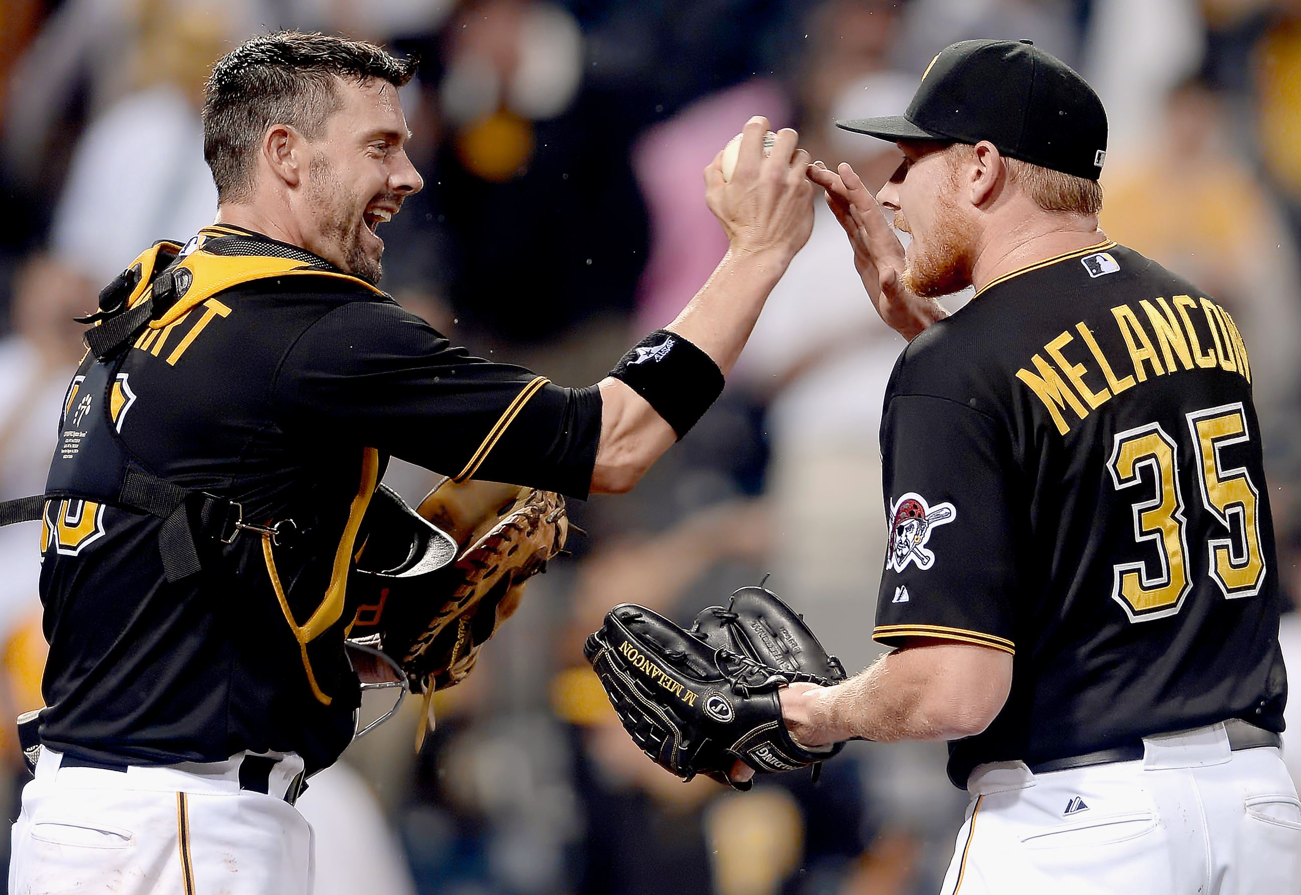Reports: Pirates, catcher Chris Stewart agree on two-year contract extension