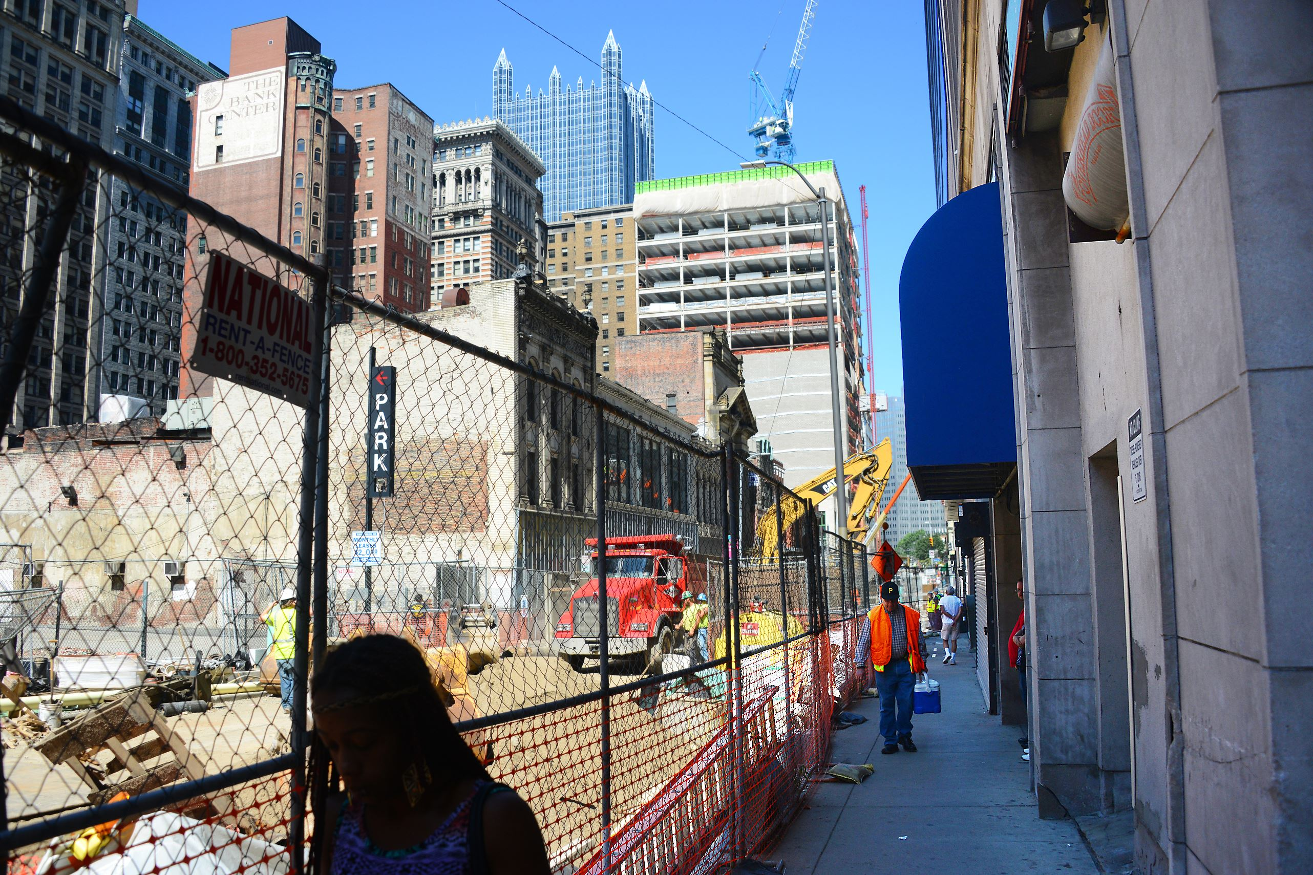 Downtown pittsburgh businesses struggle with 39 eyesore for Fish store pittsburgh