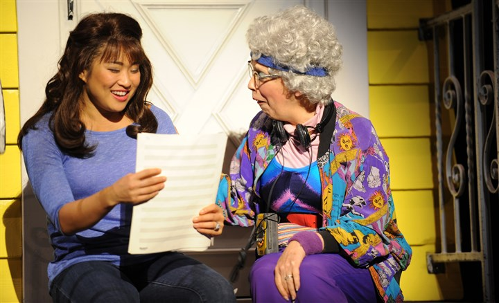 "20150727HOWedding2-1 ""Glee"" star Jenna Ushkowitz, left, as Julia and Sandy Rosenberg as Rosie in Pittsburgh CLO's ""The Wedding Singer."""