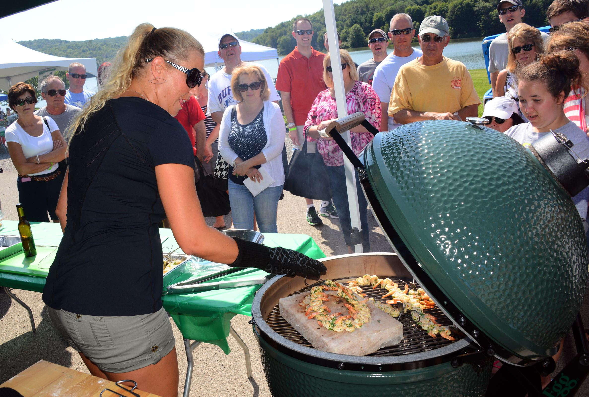Big Green Egg, a Japanese kamado-style grill, fires up the faithful