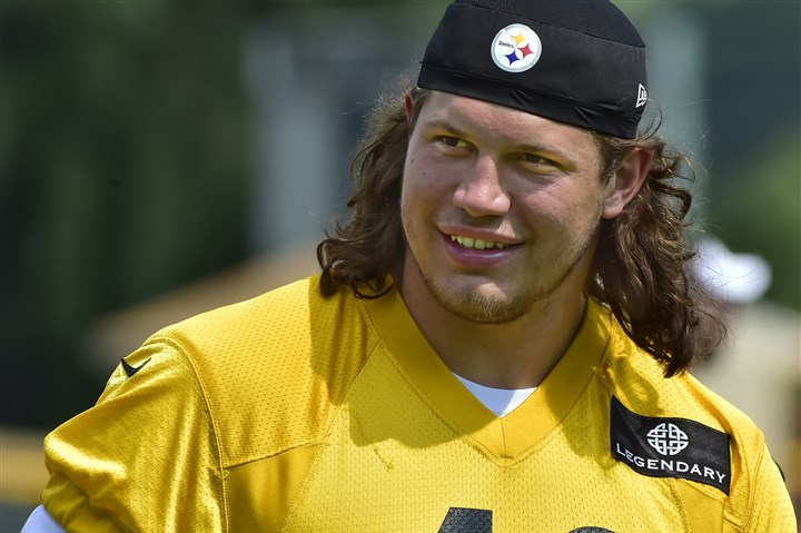 Steelers-linebacker-anthony-chickillo
