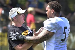Though Steelers offensive line coach Mike Munchak doesn't have starters Maurkice Pouncey, right, and Kelvin Beachum at his disposal, others have stepped up for him.